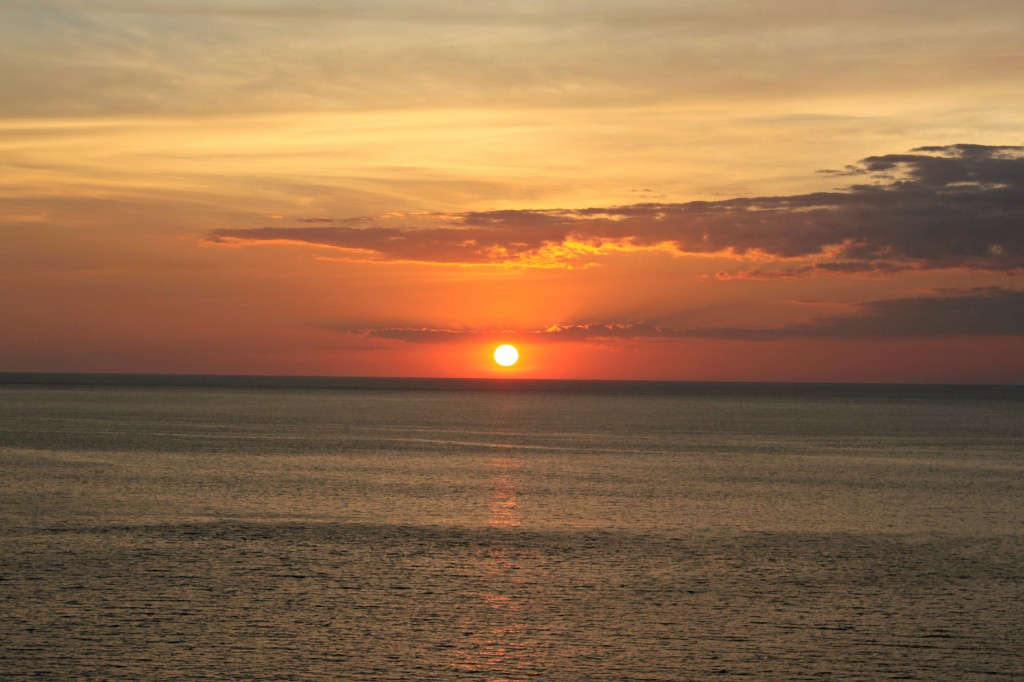 We hope you'll enjoy the Costa Rican sunsets as much as we did!